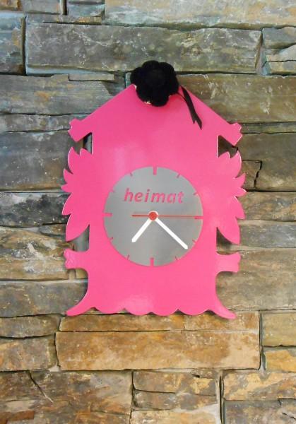 Schwarzwalduhr pink